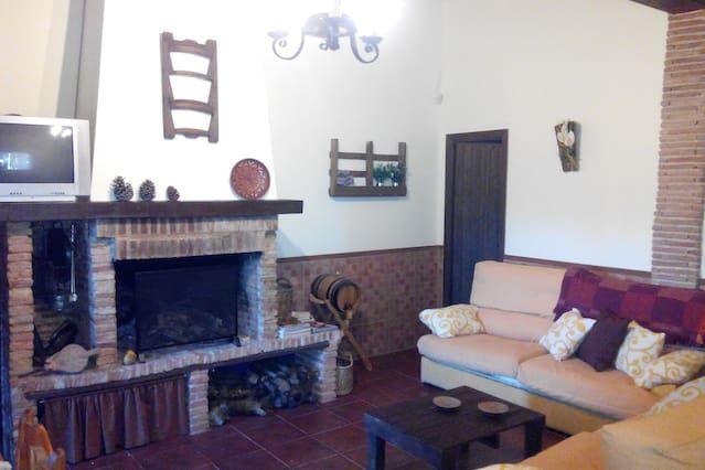 Casa rural con encanto en finca privada