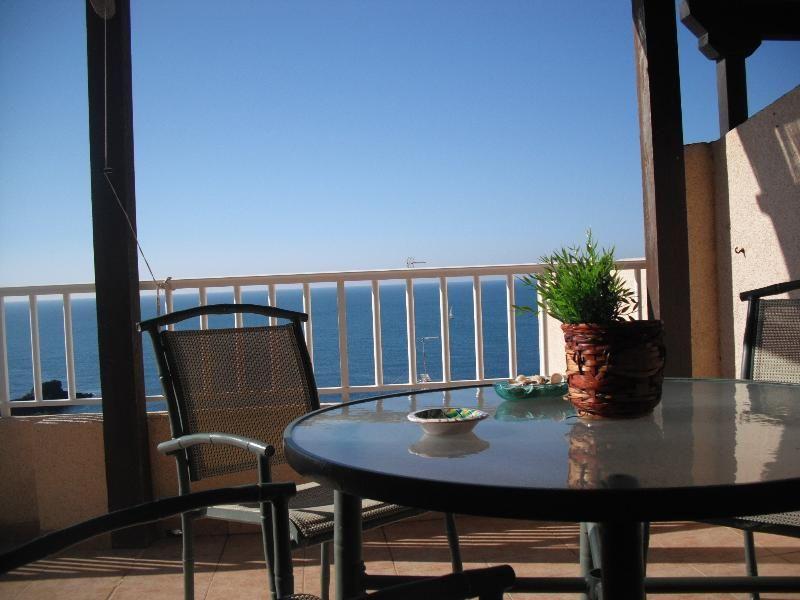 Vistas del mediterráneo, junto a golf, parque natural,