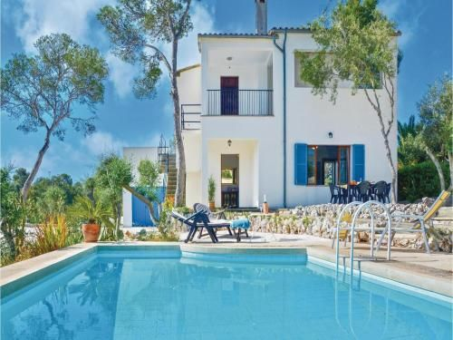 Attractive holiday rental with parking included