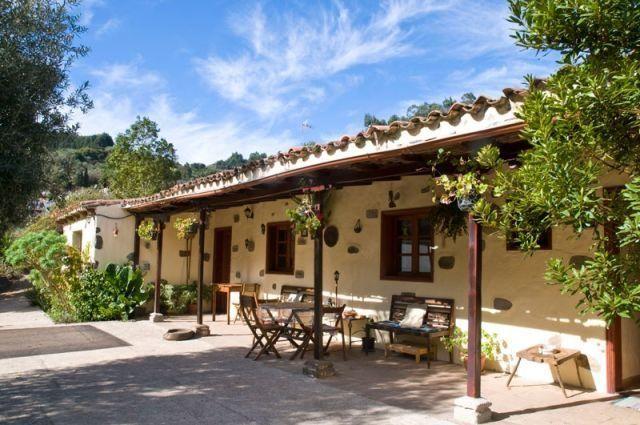 Preciosa casa en la montana a 15km de la costa