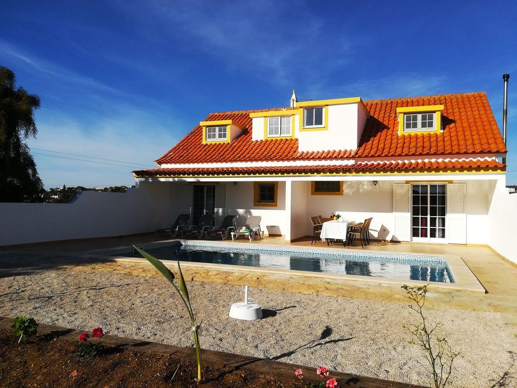 Alojamiento con jardín en Quarteira