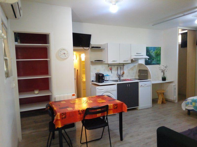 Provisto alojamiento para 4 huéspedes
