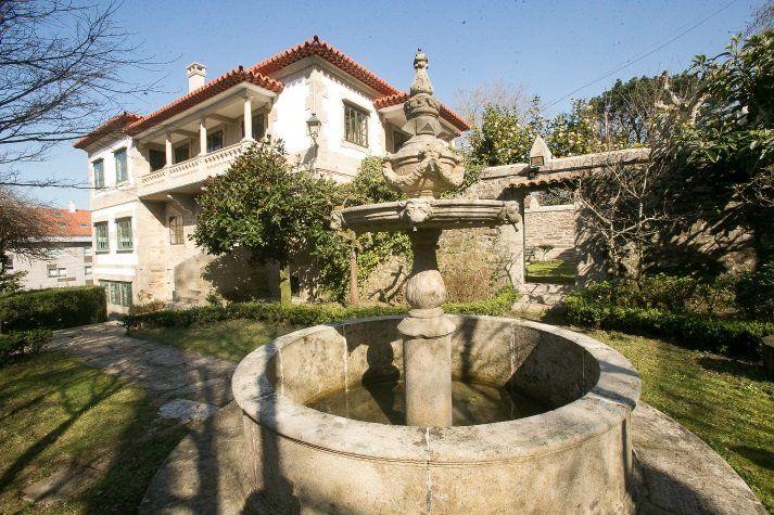 Alojamiento de 5 habitaciones con jardín