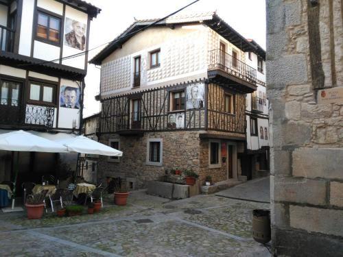 Alojamiento de 3 habitaciones en Mogarraz