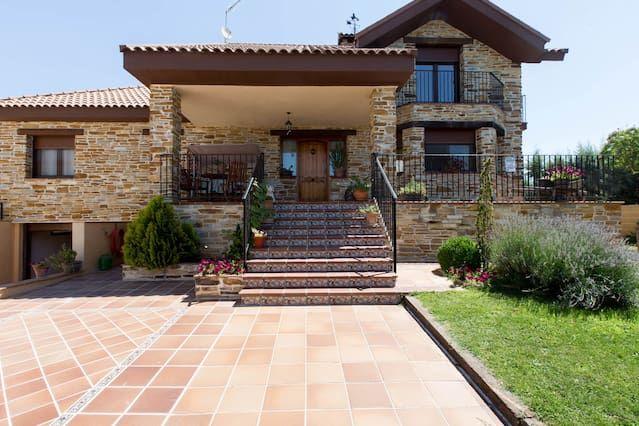 Estupenda casa en Venturada