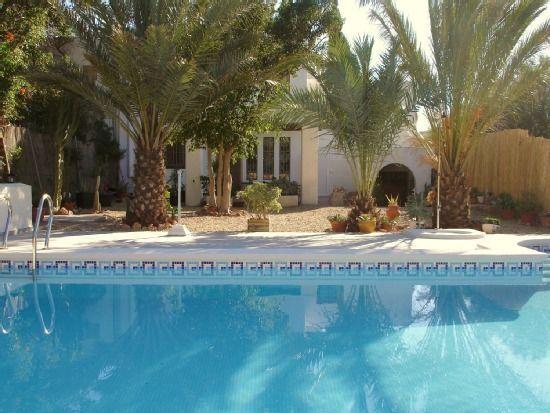 Residencia provista en Níjar