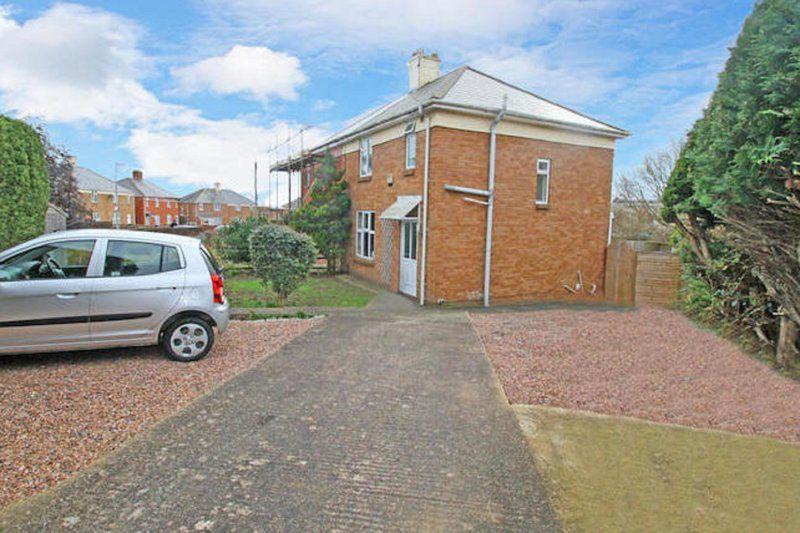 Residencia familiar con parking incluído