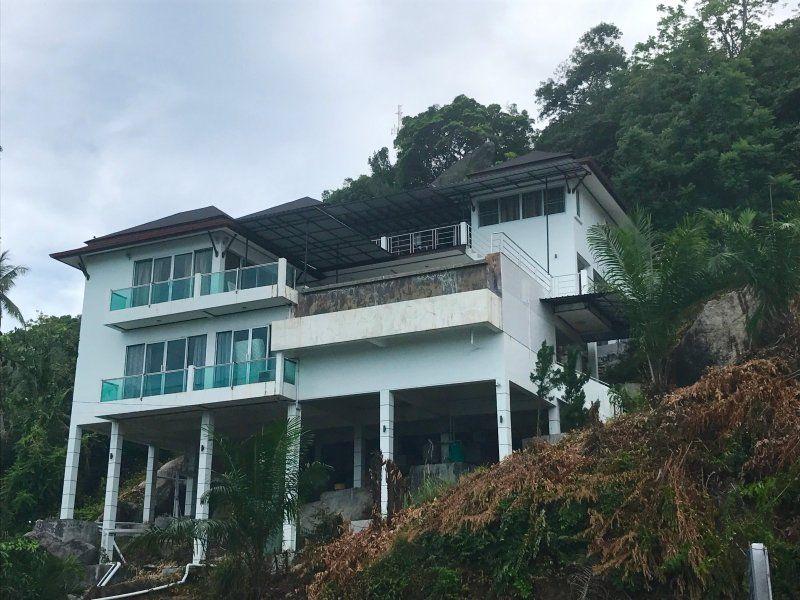 Equipada residencia para 10 personas
