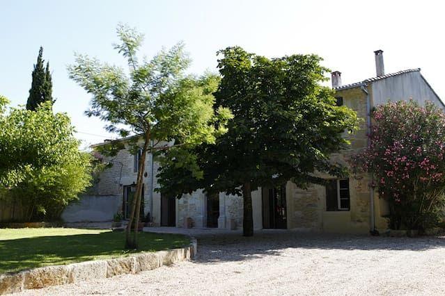 Residencia en Meynes para 2 huéspedes