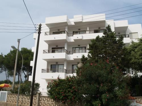 Homely property with 12 rooms