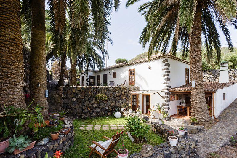 Alojamiento en Brena baja con jardín