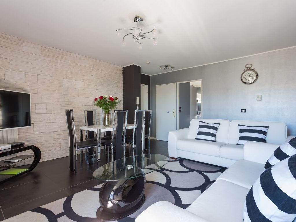 Apartamento con wi-fi de 82 m²