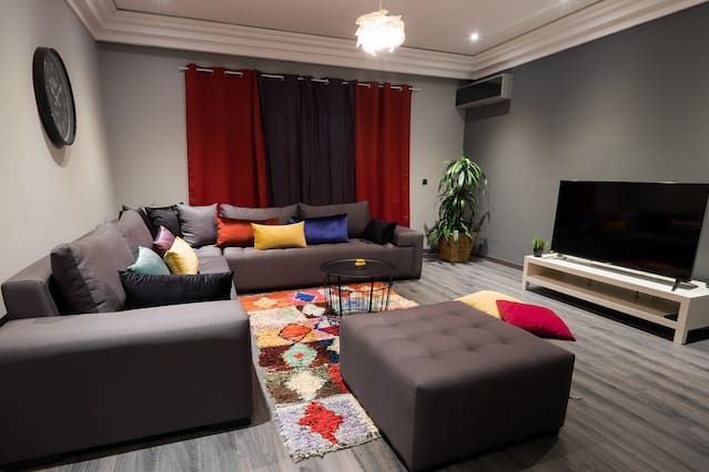 Pretty 158m2 apartment, modern, fully equipped.