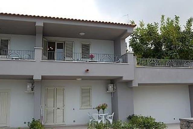 Casa provista en Isola d'ischia
