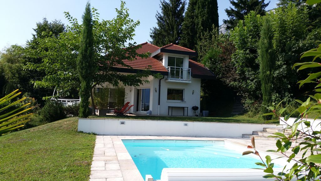 Alojamiento de 200 m² con jardín