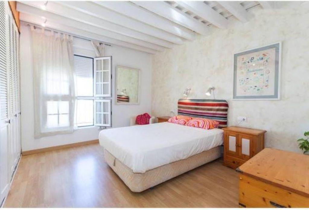 Apartamento luminoso en Cádiz con  Cuna