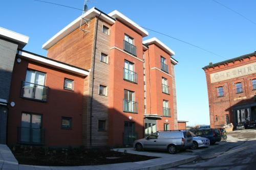 Apartment with 6 rooms in Warrington
