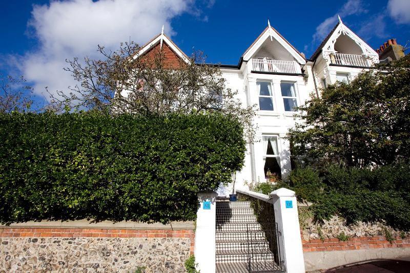 Family House, Central Brighton