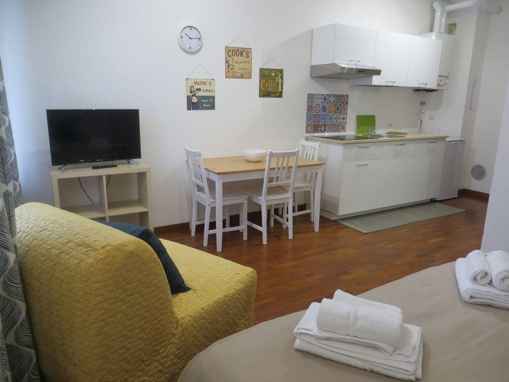 Alojamiento de 1 habitación en Rho