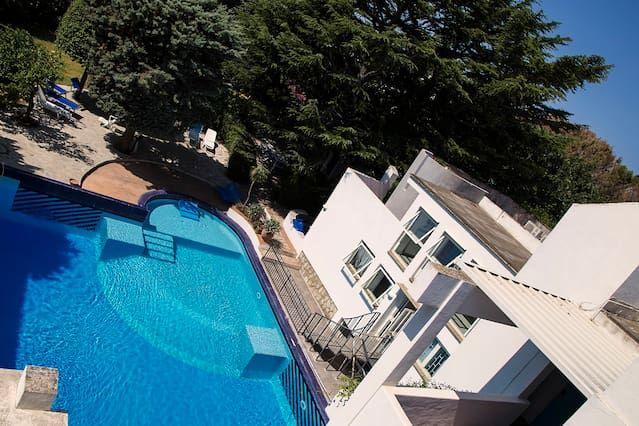 Vivienda con piscina en Lacco ameno
