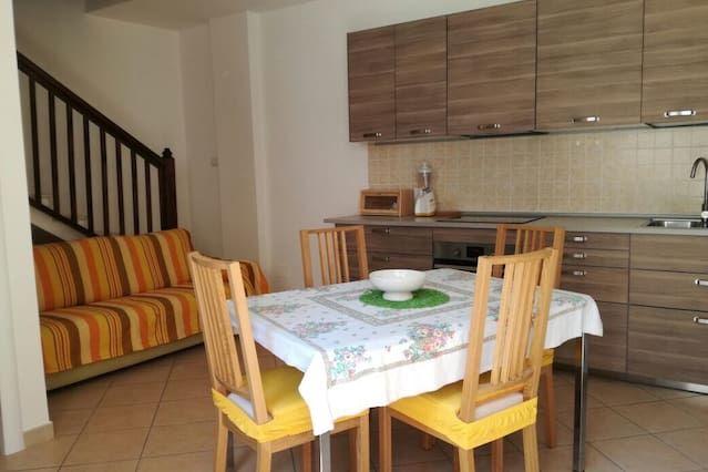 Appartamento con vista con balcone