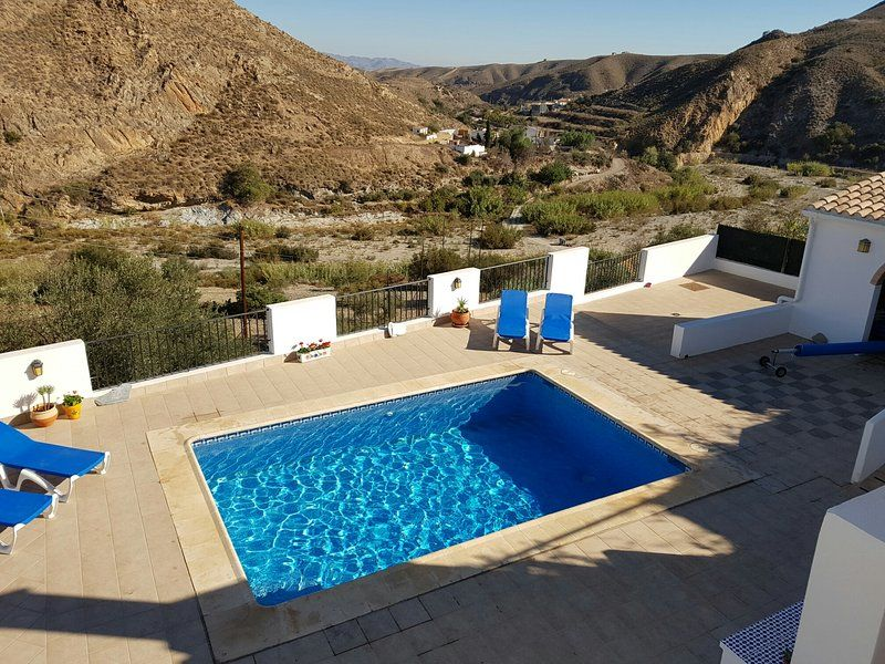 Spacious, renovated, rural Villa in Andalucia with private, heated swimming pool