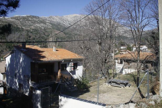 Casa con jardín en Cuevas del valle