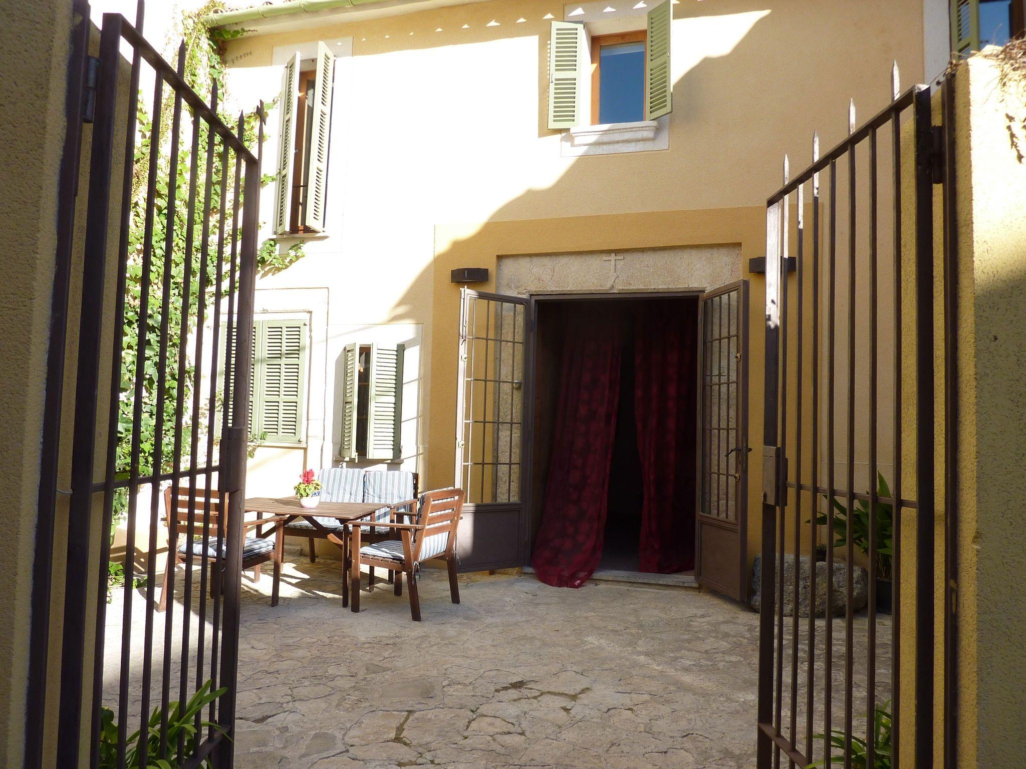 Alojamiento con jardín de 4 habitaciones