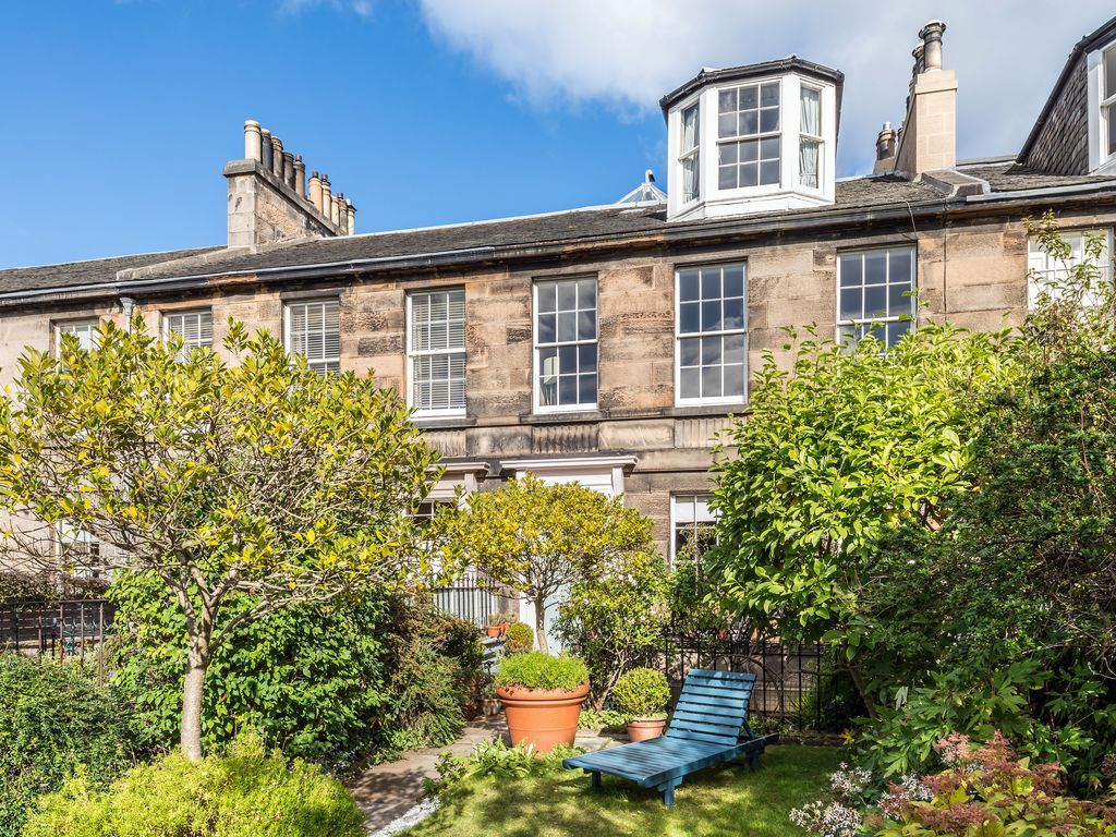 Exceptional accommodation with  Kitchen in Edinburgh