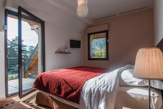 Alojamiento dotado con balcón