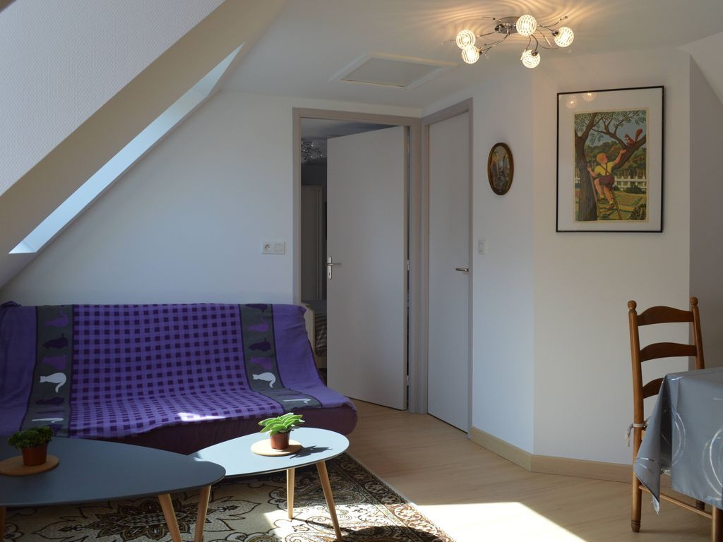 Equipped holiday rental with 2 rooms