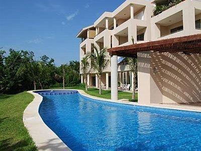 Vivienda con piscina de 96 m²