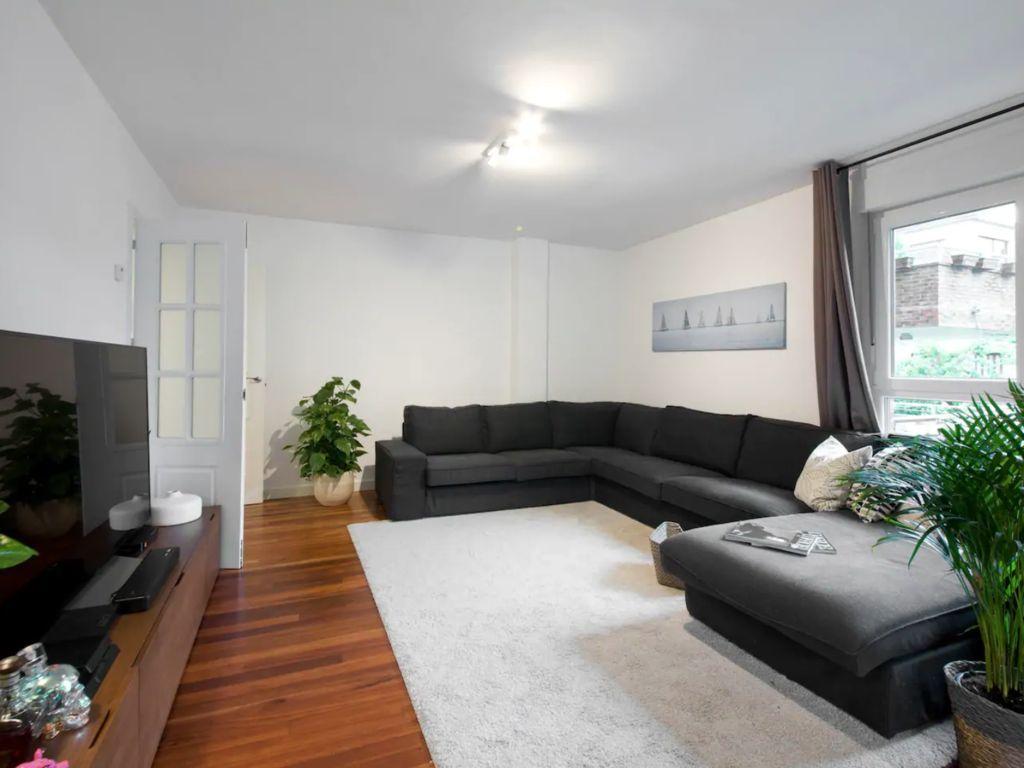 Vivienda de 100 m² para 4 huéspedes