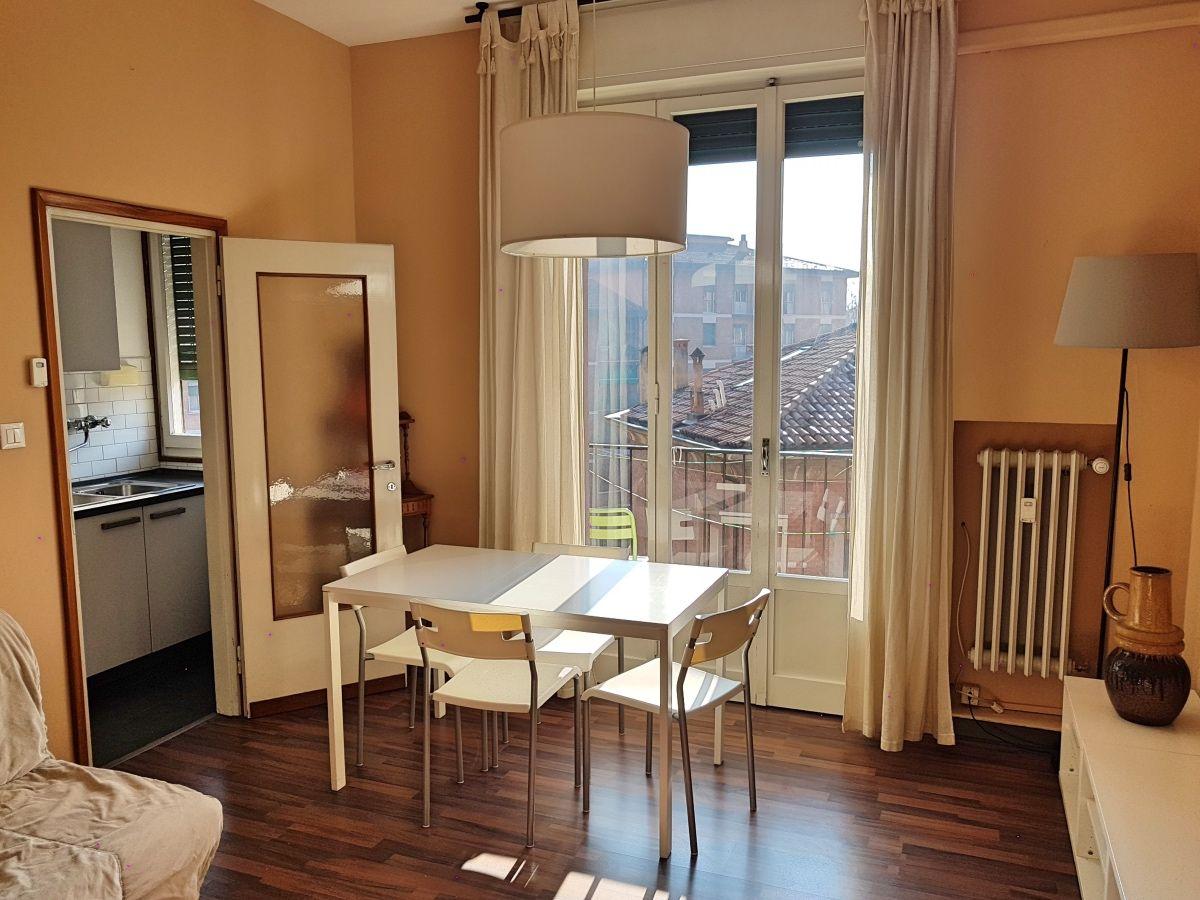Apartamento luminoso en Bolonia con TV y AC