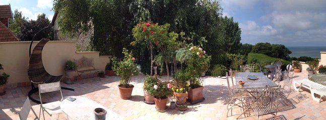 Hébergement de 1 chambre avec jardin