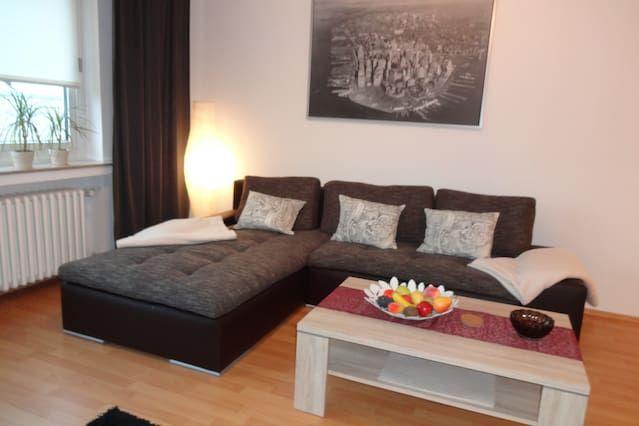 furnitured 2-room-Aptm,Bus to City + RUB
