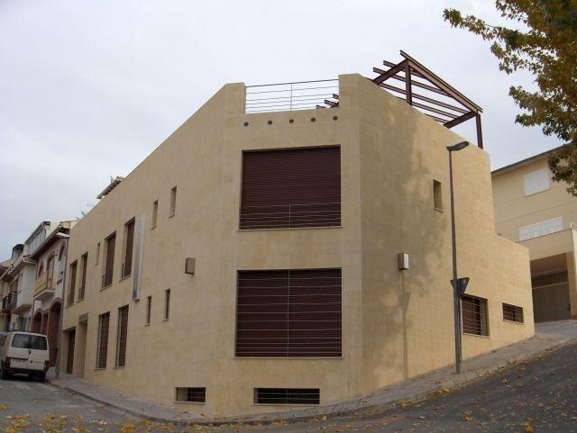 Vivienda en Alcalá la real de 8 habitaciones
