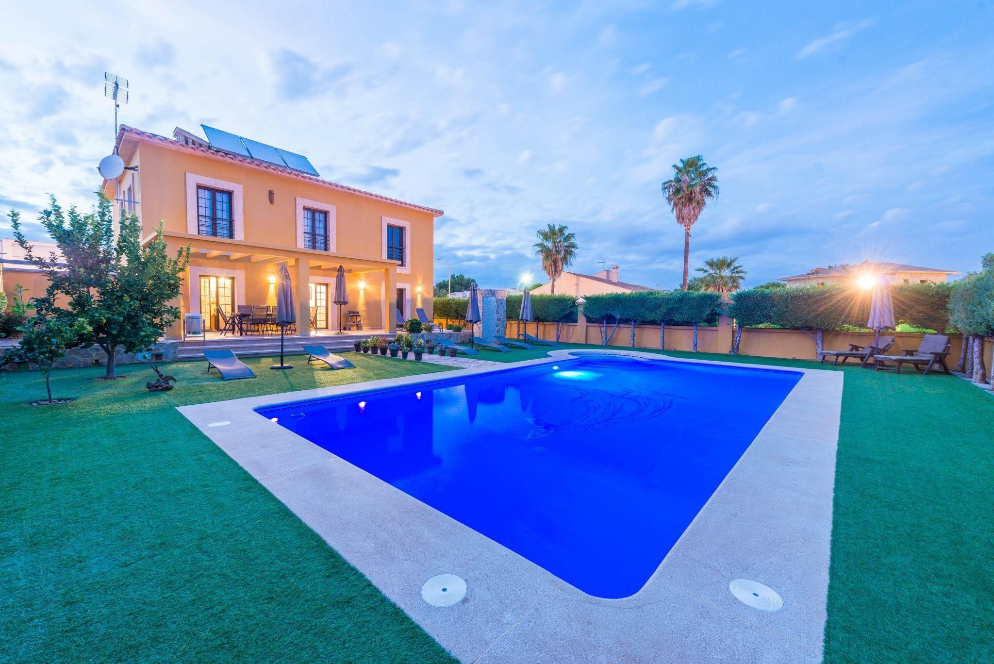 Casa de 300 m² de 4 habitaciones
