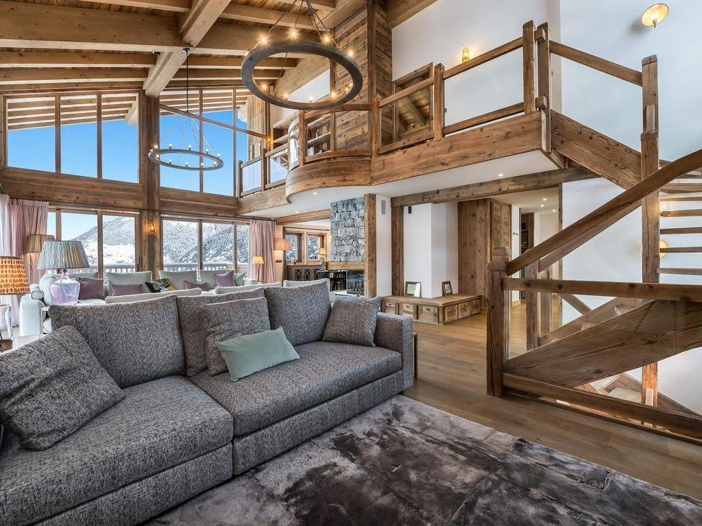 Vivienda con balcón para 10 personas
