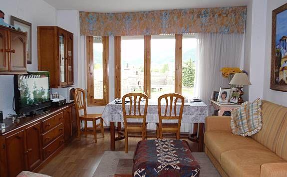 Apartamento con Cocina y TV en Jaca