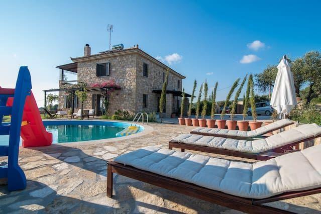 Beautiful Stone Villa in olive groves near the sea