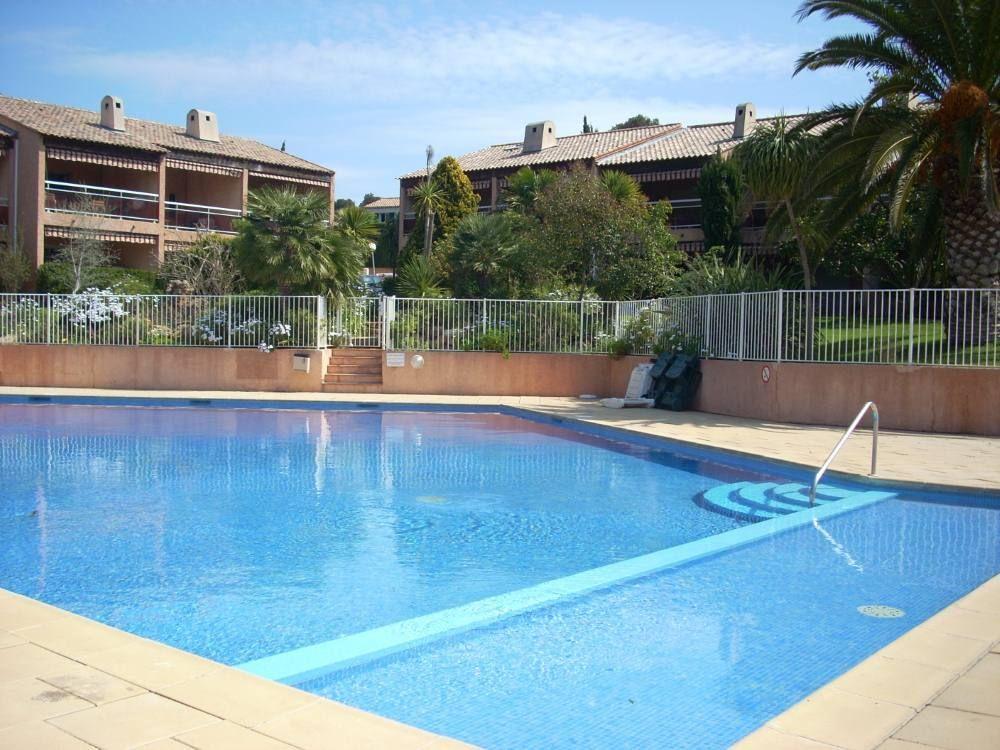 Maravilloso piso con piscina
