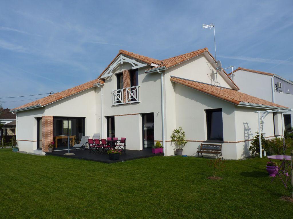 Casa en Saint-michel-chef-chef para 9 personas