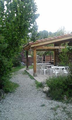Apartamento equipado con jardín