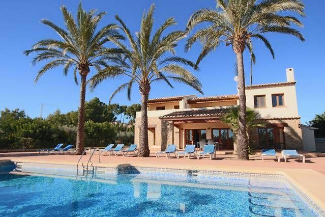Casa con piscina para 10 huéspedes