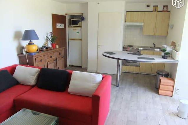 Bien équipé logement avec 1 chambre