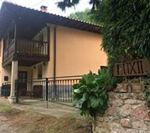 Property with parking included in Amieva