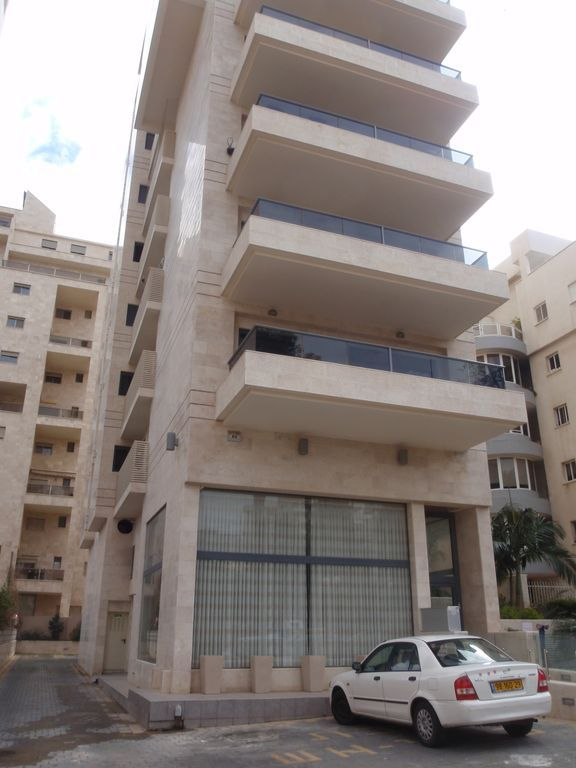 Apartamento con parking incluído en Netanya