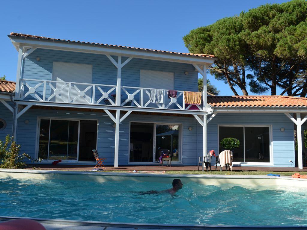Vivienda para 10 huéspedes con piscina
