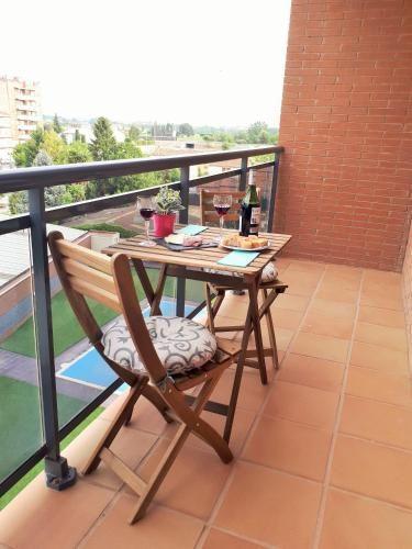 Panorama Wohnung mit Balkon